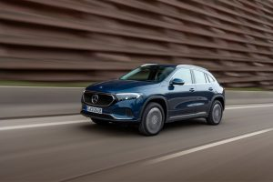Mercedes-Brinkmann-Die-EQA-Modellfamilie-wächst-zügig-Zwei-weitere-Versionen-mit-Allradantrieb-sind-ab-sofort-bestellbar