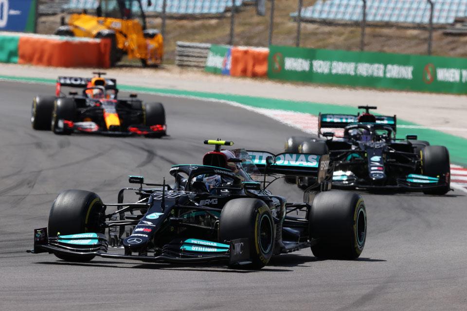 Mercedes-Brinkmann-Fahrerlager-Geschichten-–-Doppelter-Einsatz-für-die-Mercedes-Formel-1-und-Formel-E-Teams-in-Barcelona-und-Monaco