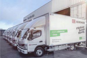 Mercedes-Brinkmann-Hei-Oslo!-DB-Schenker-erweitert-nachhaltige-City-Logistik-in-Norwegen-mit-acht-batterieelektrischen-FUSO-eCanter